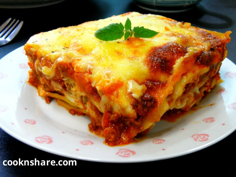 Baked lasagna cook n 39 share world cuisines for Different kinds of lasagna recipes