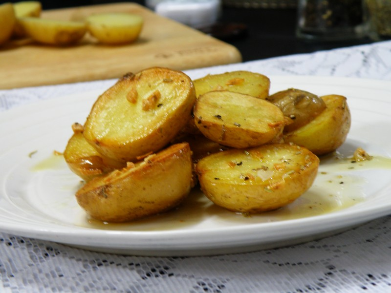Pan Fried Potatoes With Rosemary And Garlic Cook N Share World Cuisines